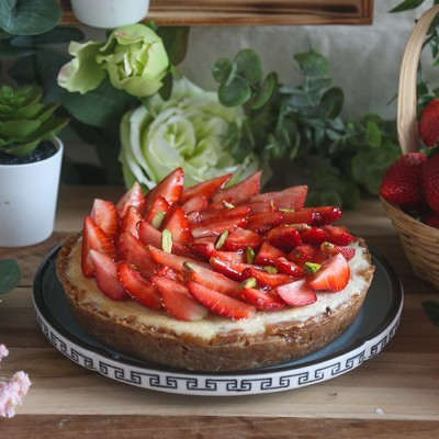 Baked Strawberry Cheese Cake Pie 500gms