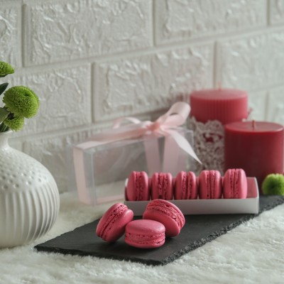 Box of  5 Rose macrons [Contains Egg]