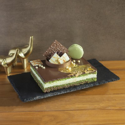 Pistachio Opera 500gms With 99.9% Gold Varakh ( contains egg)
