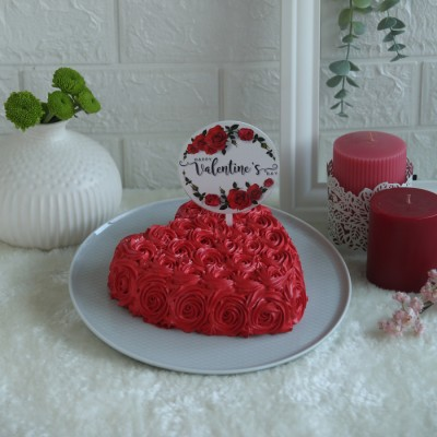 Heart Red Swirls cake with round floral valentines topper