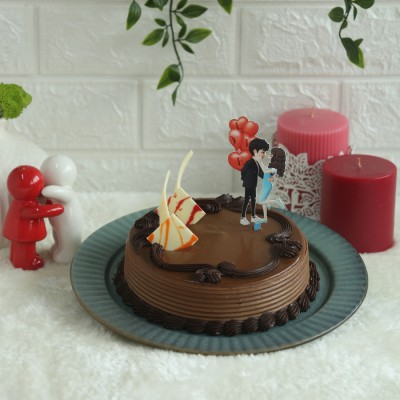Chocolate Almond hazelnut 500gms with Cute Couple topper