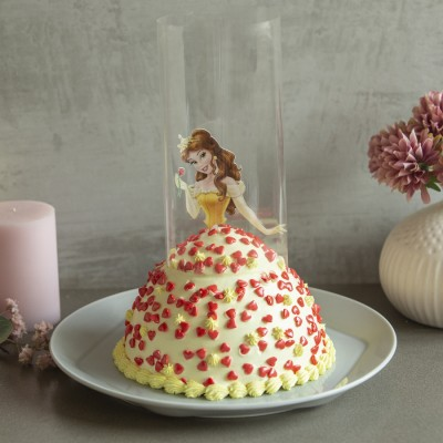 Belle in Yellow Dress Pull Me up Cake 1kg