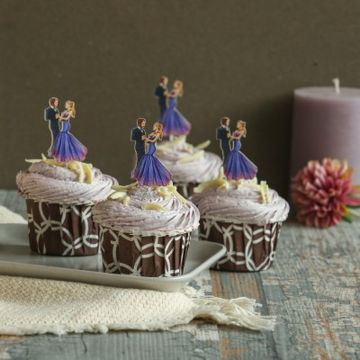 Blueberry Cupcakes with Cute Couple Toppers