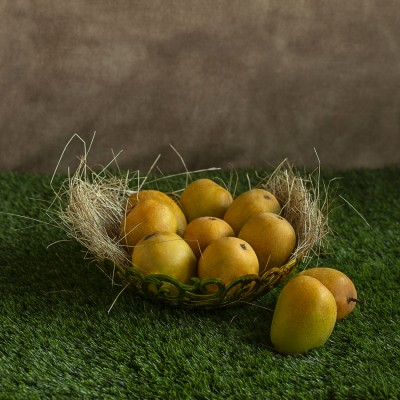 Golden Basket of Fresh Mangoes (8pcs)