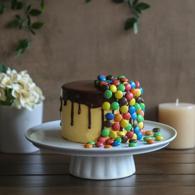 M&M's overloaded chocolate cake 750gms