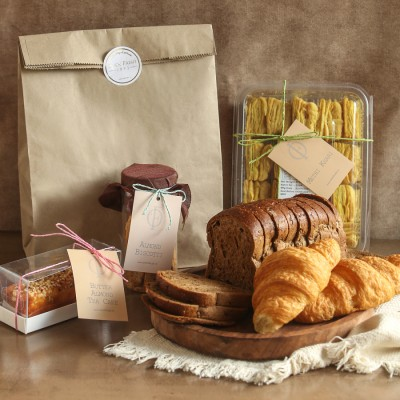 Multigrain Bread, Methi Khari , Almond Biscotti , Pure butter Almond Cake(contains egg), Butter croissants(2pcs)