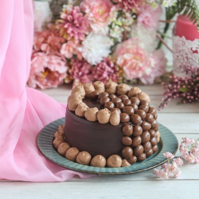 Women's Day Nutties Overloaded Chocolate Cake 750gms