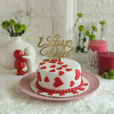 Red hearts cake 750gms with I LOVE YOU Topper