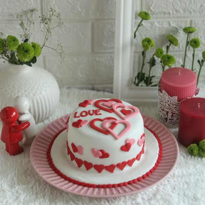 Valentines Day Love Hearts Cake 750gms