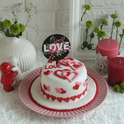 Valentines Day Love Hearts Cake 750gms with Black floral Love Topper