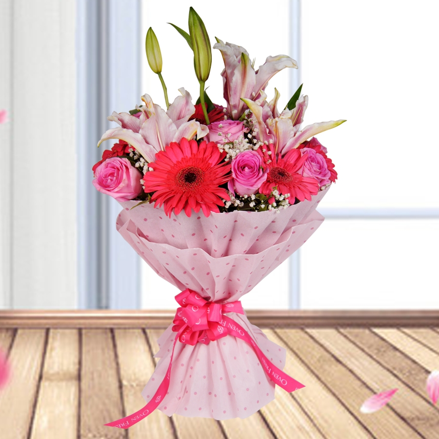 Her Highness!    ( Pink lilies with pink rose)