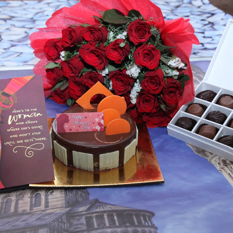 Caramel Panacotta with Hazelnut Chocolate Mousse Cake- 500gms with card,Red hand bouquet and Box of 9 chocolate pralines