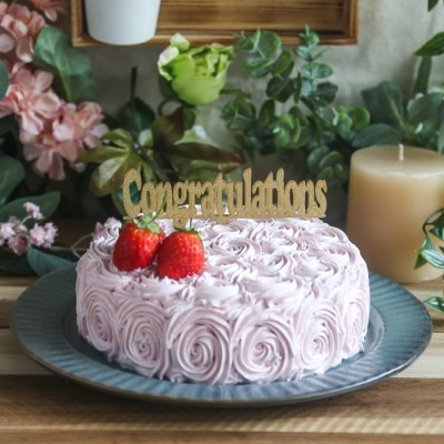 Strawberry Swirl cake 500gms with Congratulations Topper