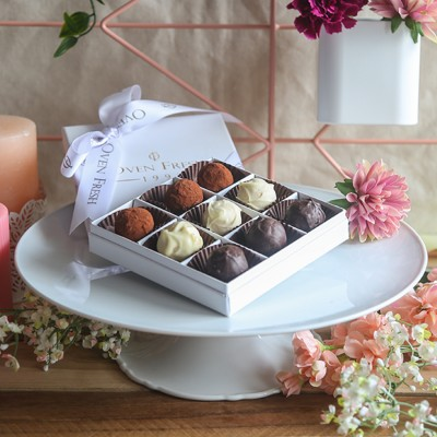 Box of 9 chocolate Truffles