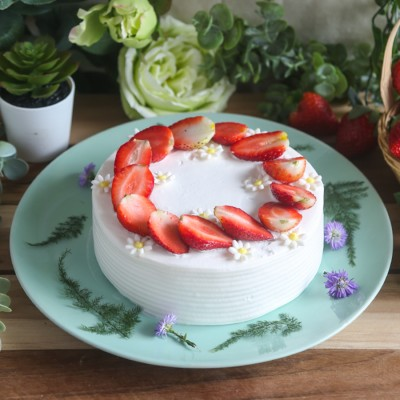 Strawberry Floral Cake 500gms