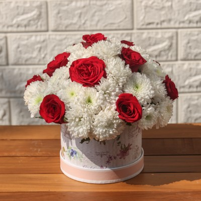 Box of White Chrysanthemum And Red Roses