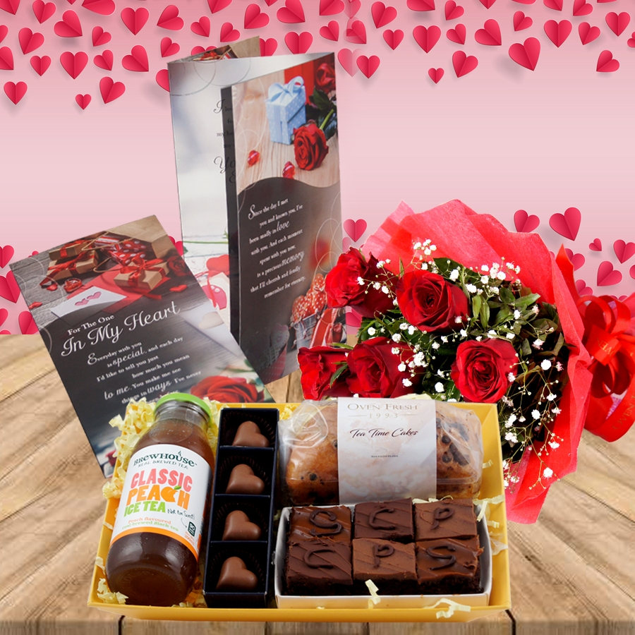 Valentines Day GT 001 with Card  and bouquet of 6 red roses