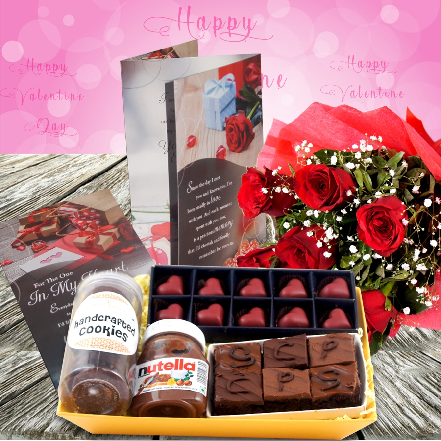 Valentines Day GT 007 with Card and Bouquet of 6 red roses