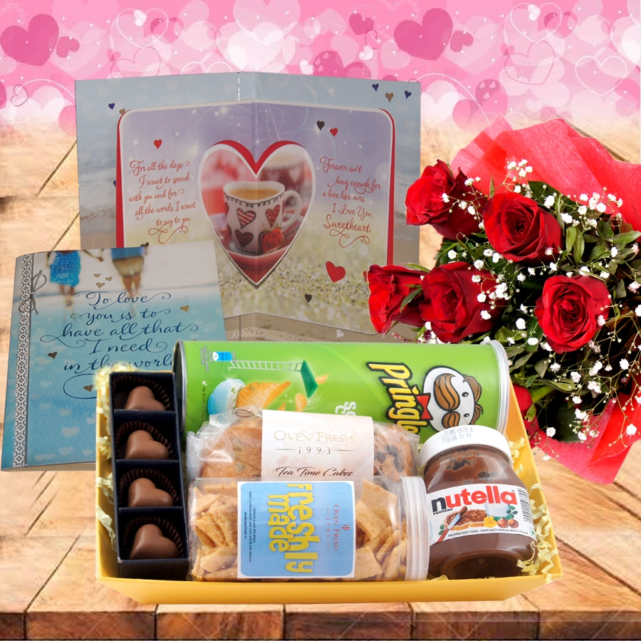 Valentines Day GT 008 with Card and Bouquet of 6 red roses