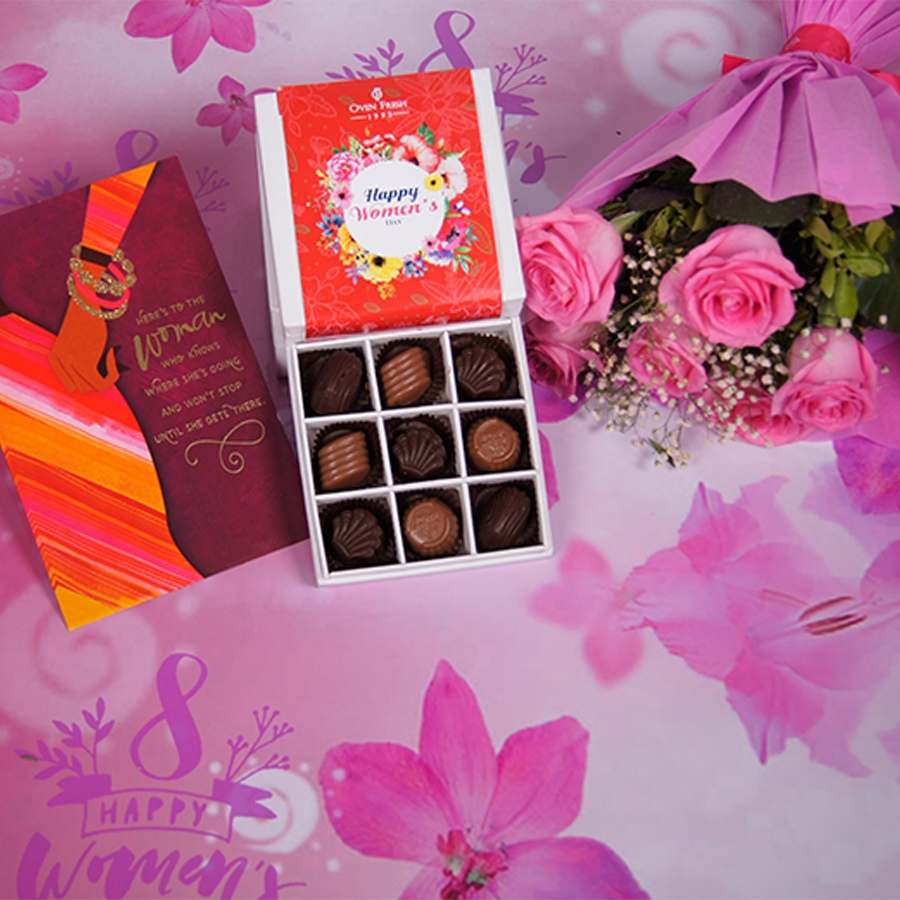Womens Day box of 9 chocolate pralines with card,bouquet of 6 pink roses